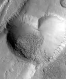 [Mars heart-shaped graben - Width 2.3 kilometers (1.4 miles)]
