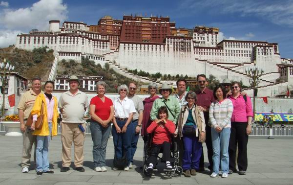 The TRUE group at Potala Palace